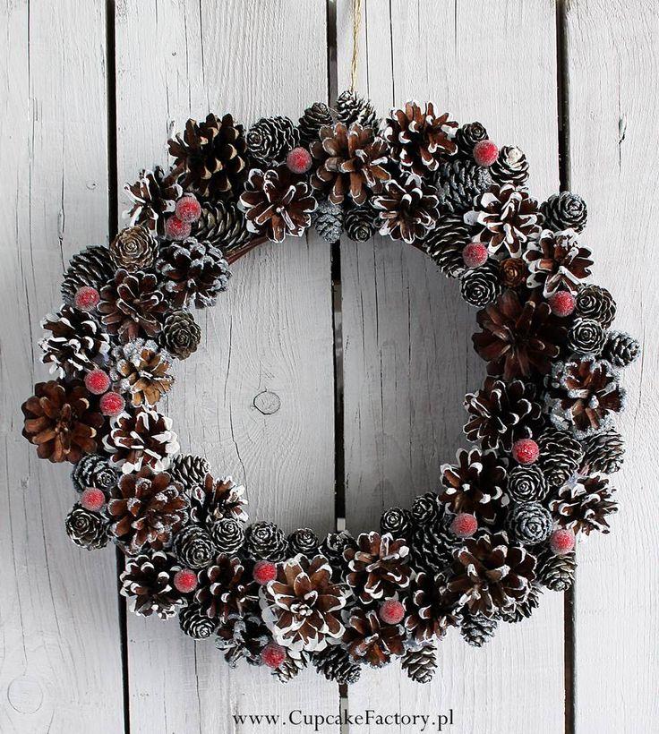 Christmas cone wreath / Cupcake Factory