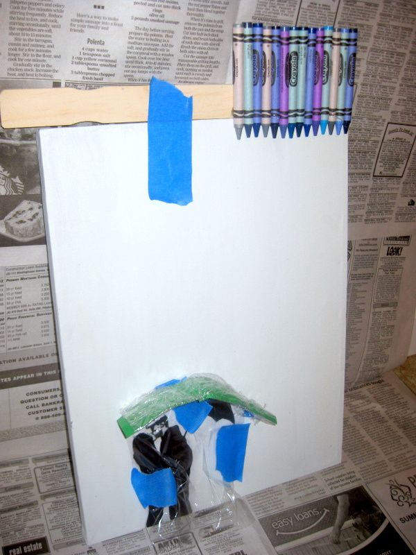 DIY: RAINY DAY CRAYON CANVAS ART (ALTERNATIVE MELTING METHOD)