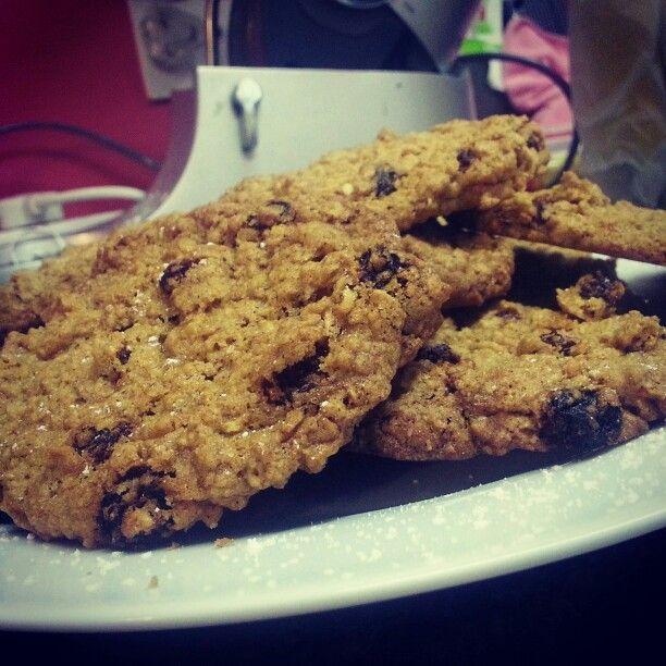 #GlutenFree oatmeal and raisin cookies