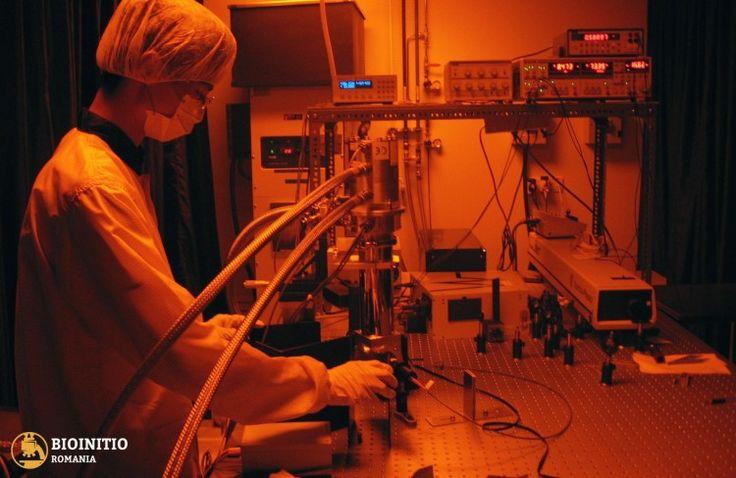 Oamenii de știință au tot studiat metode de a utiliza ADN sintetic ca fundație pentru dispozitive mai mici și mai rapide. ADN-ul are avantajul de a fi în mod inerent 'codat'. Liniile ADN sunt formate din unul dintre cele ; fiecare are posibilitatea de a se... #engineering #nanotechnology #research