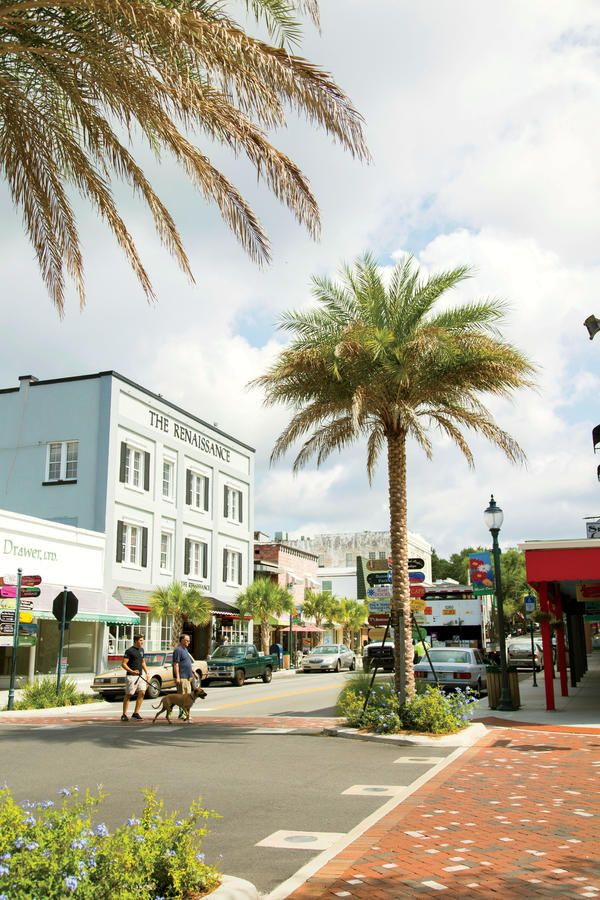 Small Towns We Love