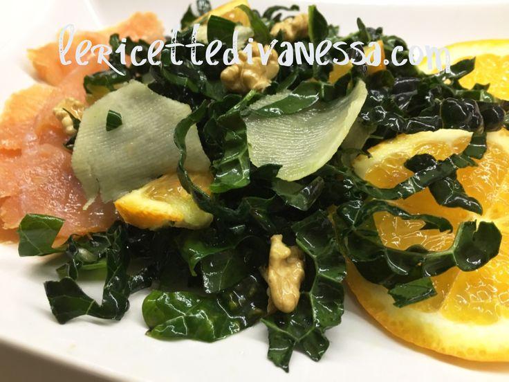 Per la mia pausa pranzo: Insalatona di Cavolo  Nero, Arancia, Tobinambur e Noci  http://www.lericettedivanessa.com/le-ricette/insalatona-di-cavolo-nero-arancia-tobinambur-e-noci  #lericettedivanessa #inverno #mondayrecipe #light #healty #healtyfood #recipe #food #foodporn #foodblogger #followme #tagsforlikes #picoftheday #winter #green #monday