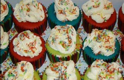tromaktiko: Χρωματιστά cupcakes