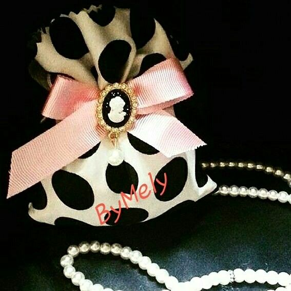 #beyaz #beyazkese #gelin #nikahsekeri #nikahhediyesi #nikah #siyah #pembekurdele #cameolubros #ilginize #teşekkürederim #dantellikese #bebek #bebeksekeri #nisankesesi #lavanta #lavantakesesi #dogum #dogumhediyesi #lavantakeseleri #nişan #nişanhazırlıkları #dugunhazirliklari #dugun #düğün #düğünhazırlıkları
