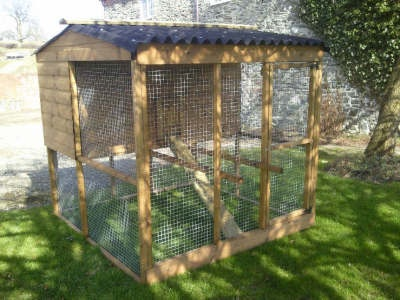 25 best ideas about poultry house on pinterest chicken for Duck houses and runs