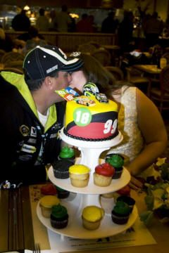 race car driver wedding cake topper 1000 images about wedding ideas nascar racing wedding 18952