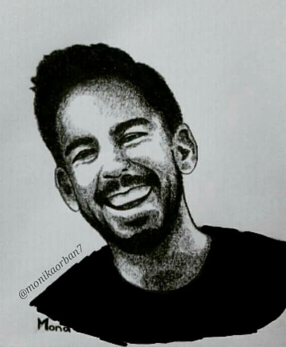 Mike Shinoda from Linkin Park smiling