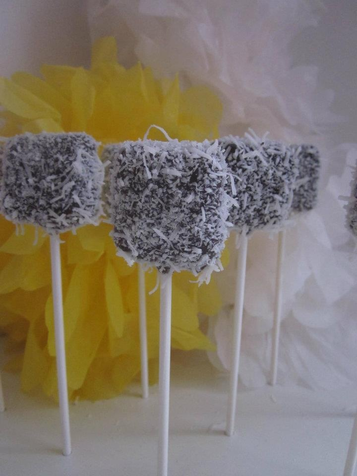 LOVE this idea #Chocolate Lamington #Cake Pops ! Happy #Australia Day 26th January