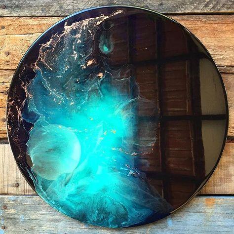New bright Aqua explosion (40cm) heading to @lalunaseven this week ✌✨ #resinart…