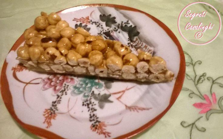 croccante nocciole, ricetta croccante di nocciole, ricette natalizie, torrone, torrone di nocciole, torrone facile con frutta secca, torrone natalizio