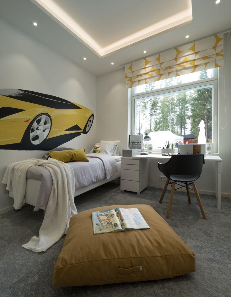 Fast cars on the wall and indirect lighting design - every boys dream bedroom! Jokaisen pojan unelma makuuhuone - nopea auto seinällä ja tyylikäs epäsuora valo.