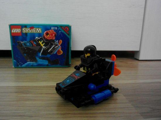 LEGO Shark Scout 1995