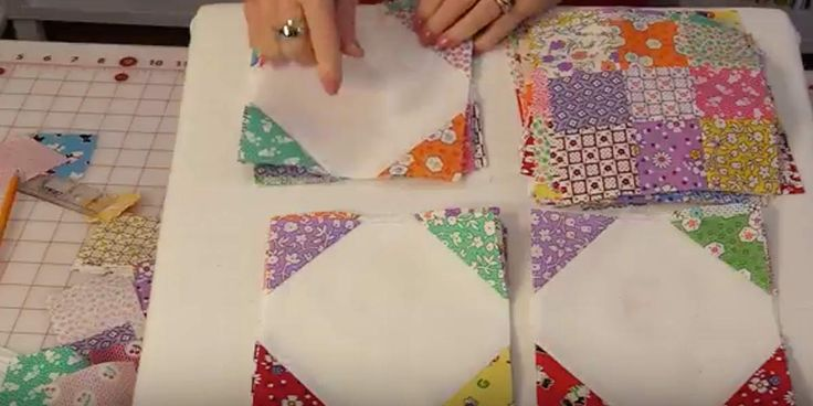 This is a very easy way to make a quilt that looks really complicated. It's such a refreshing and clean looking design. So many fabulous quilt patterns out there. I feel like I have to make them all! Weave your favorite colors together into a stunning yet simple quilt. The design might seem dif