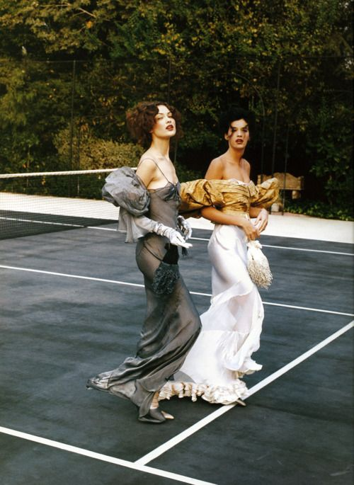 Patrick Demarchelier for Harper's Bazaar, February 1993 ('Garden Party'). Models: Shalom Harlow and Shiraz Tal.
