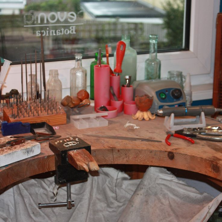 Read my blog to see pictures of my workshop and work in progress... http://www.andreaeserin.co.uk/blogs/welcome