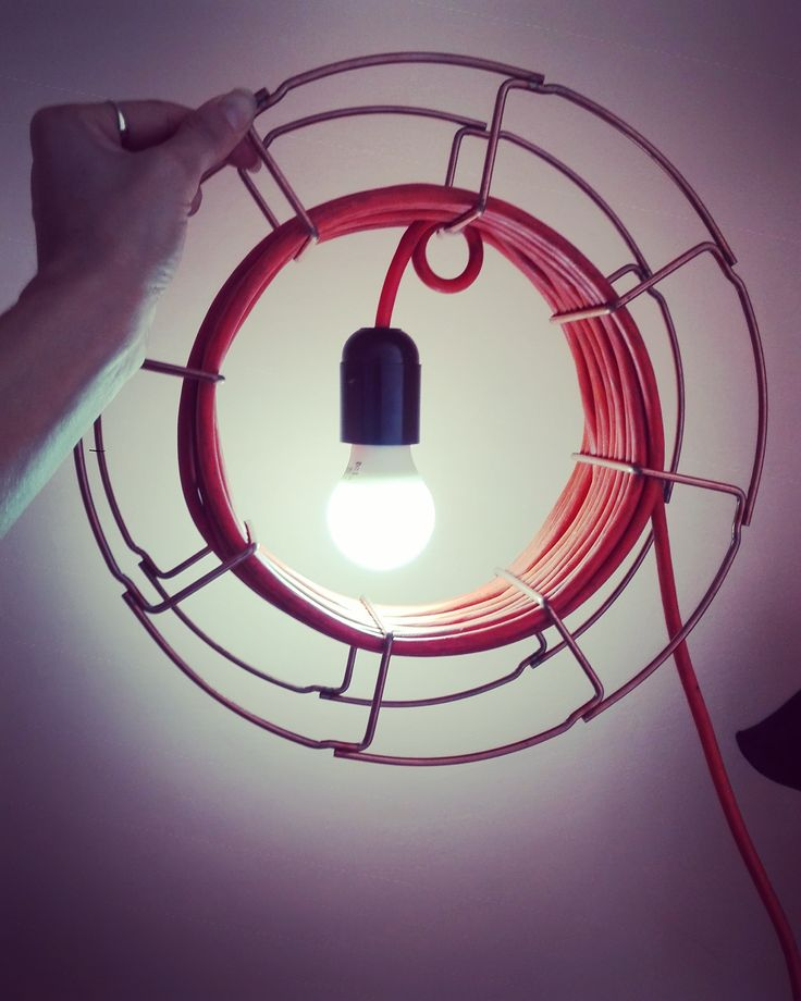 """""""Bobingiò""""  Lampada da terra o da parete, realizzata con porta bobina riciclata"""