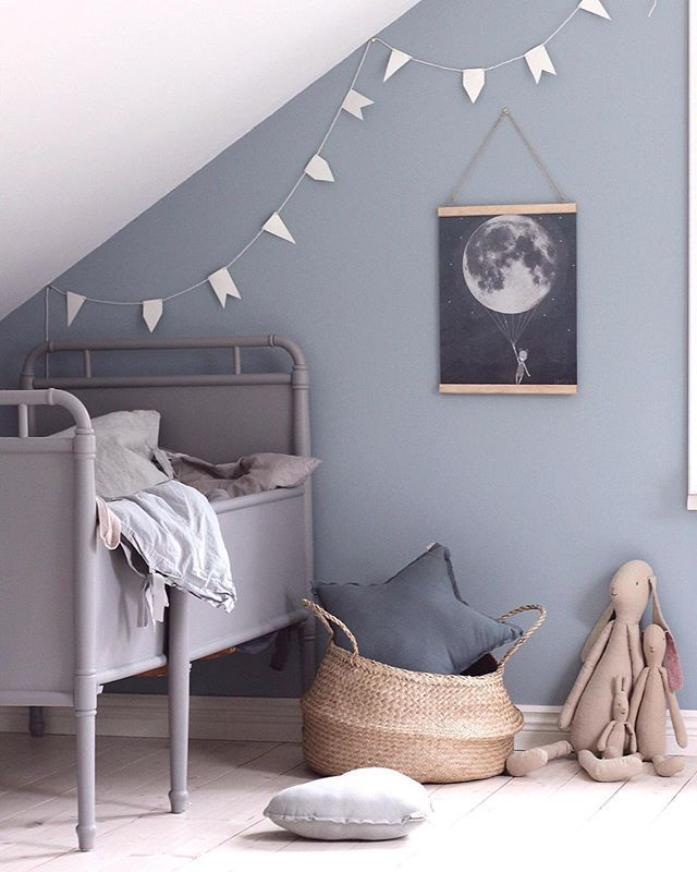 // THIS is a sheepish re-post for the super talented @emsloo, who was kind enough to send us this stunning bit of Scandi Kid's Room inspo + we shat on it with our bad cropping. Sorry Emily, we LOVE LOVE LOVE your work! And think you are so talented :) Team DS. X #designstuff #scandinaviandesign #scandistyle #kidsroom #toddlersroom #kidsroominspo
