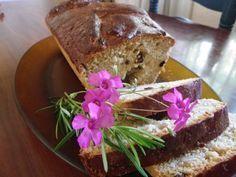 El pan bon es un pan dulce moreno con frutas y pasas que no puede faltar en la gastronomía de Semana Santa en Panamá. Este pan bon existe en la provincia de Colón desde que llegaron los antillanos ...