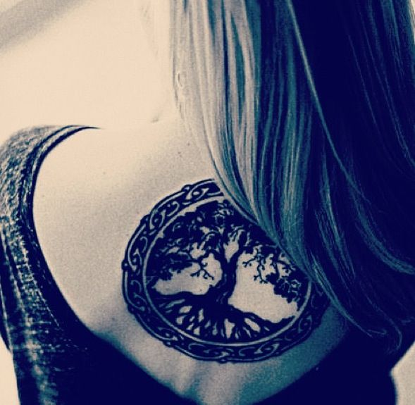 "Love this ""tribal"" boho tattoo... Black, it's perfect!!"