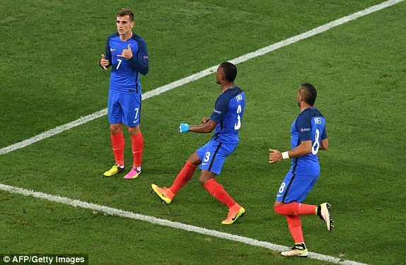 Germany vs France, Euro 2016 LIVE score: Follow the semi-final action   Daily Mail Online