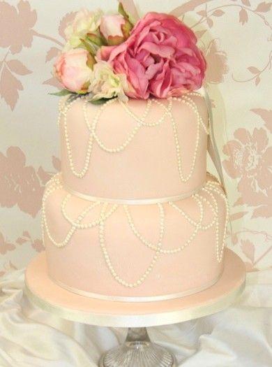 Draping pearl wedding cake