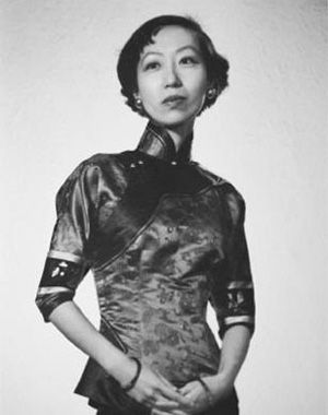 elieen chang and her desiged cheongsam