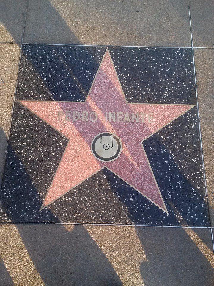Pedro Infante asi mero  estrella en hollywood badd ass