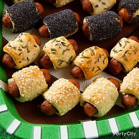 Pigs In a Blanket with toppings like poppy-seeds or sesame-seeds. #platter #HomeBowlHeroContest