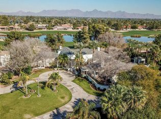 View 53 photos of this $2,850,000, 4 bed, 5.5 bath, 8178 sqft single family home located at 6042 E Via Los Caballos, Paradise Valley, AZ 85253 built in 1989. MLS # 5709753.