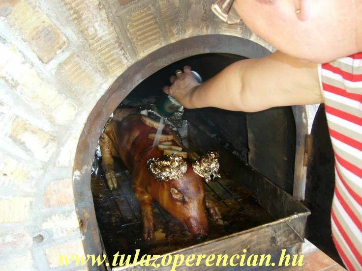 Locsoltuk a húst szorgalmasan  a kívánt eredmény eléréséért.