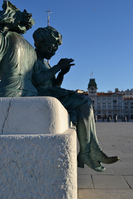 statue in Trieste