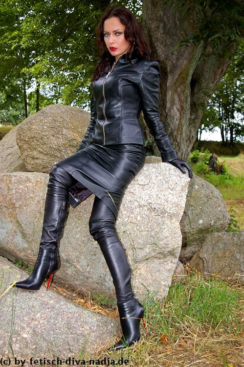 long lether tight boots felt