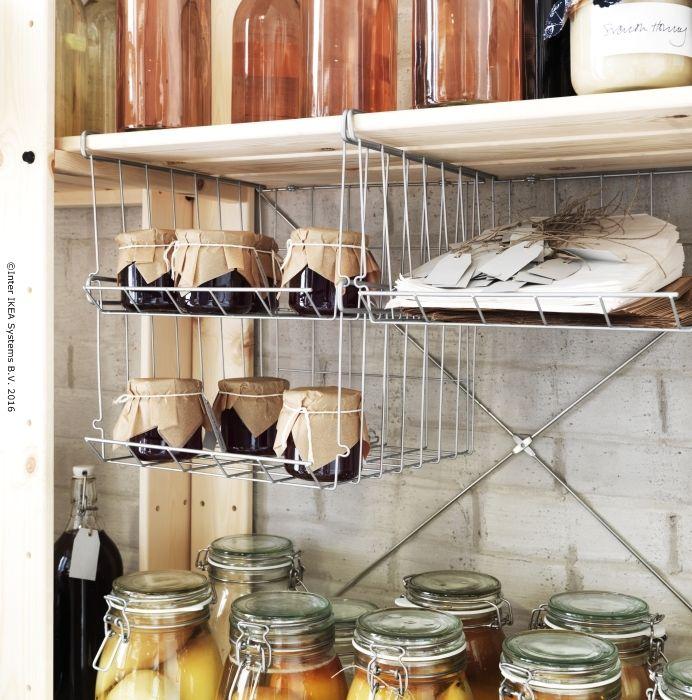 Dacă ai nevoie de mai mult spațiu de depozitare, poți agăța câteva coșuri OBSERVATÖR la tine în casă.