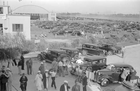 [View of parking lot at airshow] - City of Vancouver Archives
