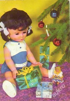 B�bika panenka hra�ka V�noce