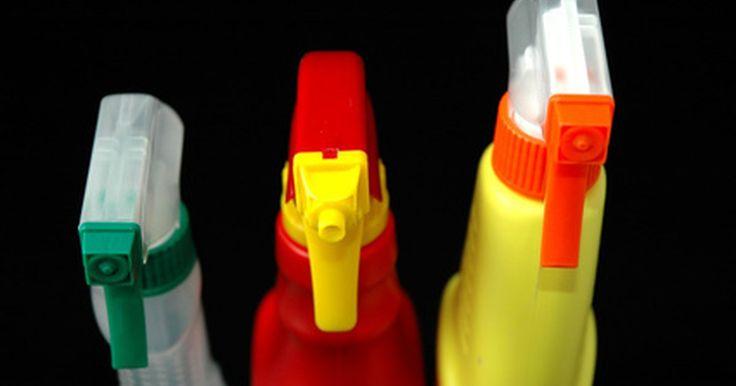 Cómo limpiar con vinagre y bórax. La mayoría de los productos de limpieza comerciales contienen químicos tóxicos que no sólo son dañinos para la salud humana, sino para el planeta. Esto ha ocasionado que muchas personas adopten prácticas de limpieza verdes o amigables con el ambiente, utilizando productos de limpieza hechos en casa en lugar de las versiones comerciales. Un ...