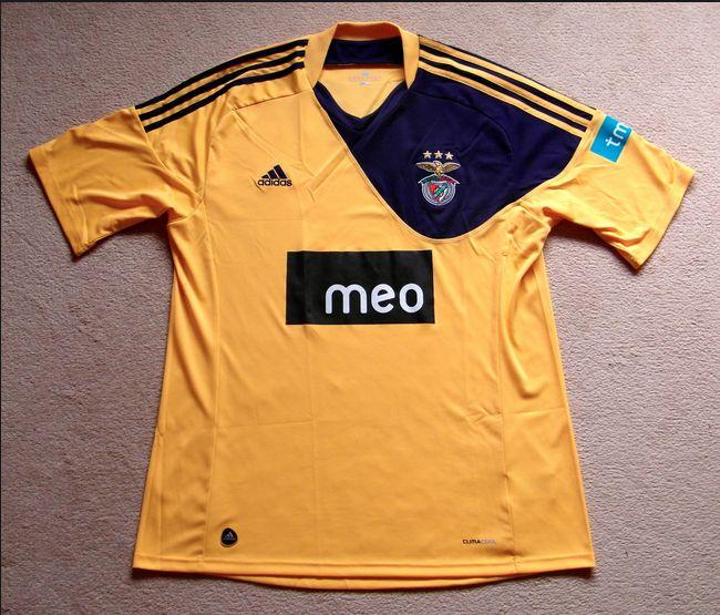2010-2011 Away
