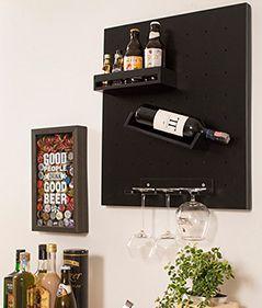As adegas garantem um mar de possibilidades na decoração. Facilmente integradas em qualquer cantinho da casa, elas são por si só lindos objetos de decoração.
