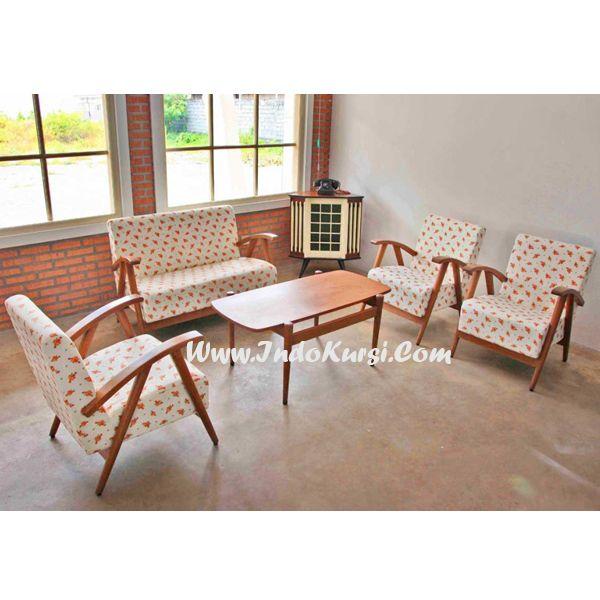 JualKursi Tamu Vintage Jok Motif Bunga desain Furniture Vintage Minimalis dengan menggunakan bahan Kayu Jati yang berkualitas, desain lain Vintage Minimalis