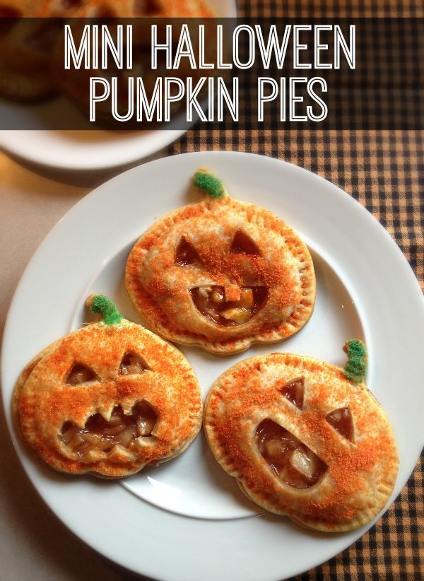 My super easy Mini Halloween Pumpkin pies are perfect for a fall treat or Halloween party!