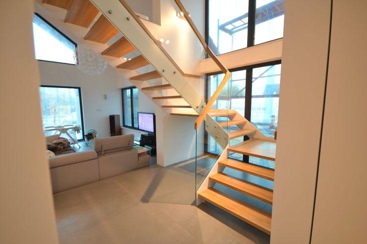 Schody nowoczesne 68 - producent schodów drewnianych Schodo-System