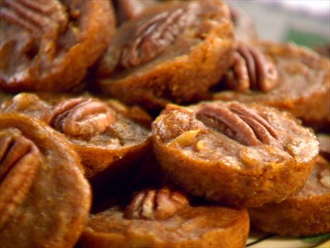 Can't decide between pumpkin and pecan pie? Here's the recipe for you! - Mini Pecan Pumpkin Pies by Sunny Anderson on @foodnetwork #pie #thanksgiving