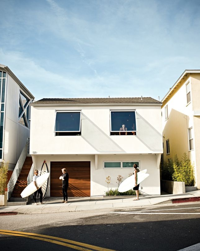 Michael Lee Architects, Manhattan Beach CA. Love the simple reno of this basic 60's house.