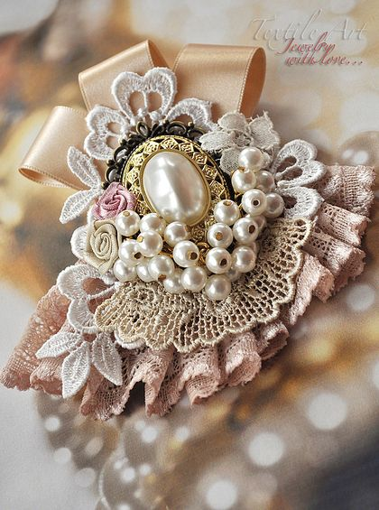 "Handmade brooches.  Fair Masters - handmade brooch ""Pearl"" was postponed.  Handmade."