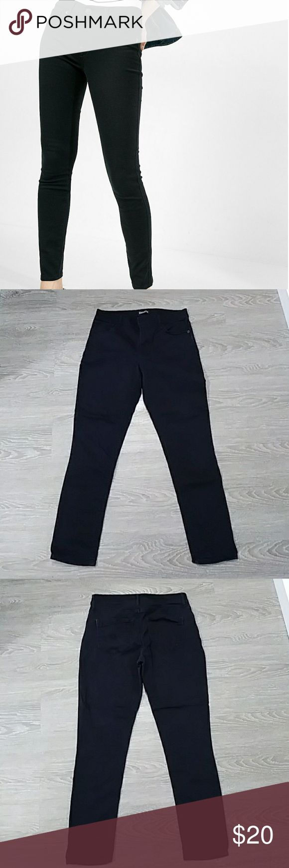 "Express mid rise ankle length legging jean 25"" inseam, slight fading, good condition Express Jeans Ankle & Cropped"