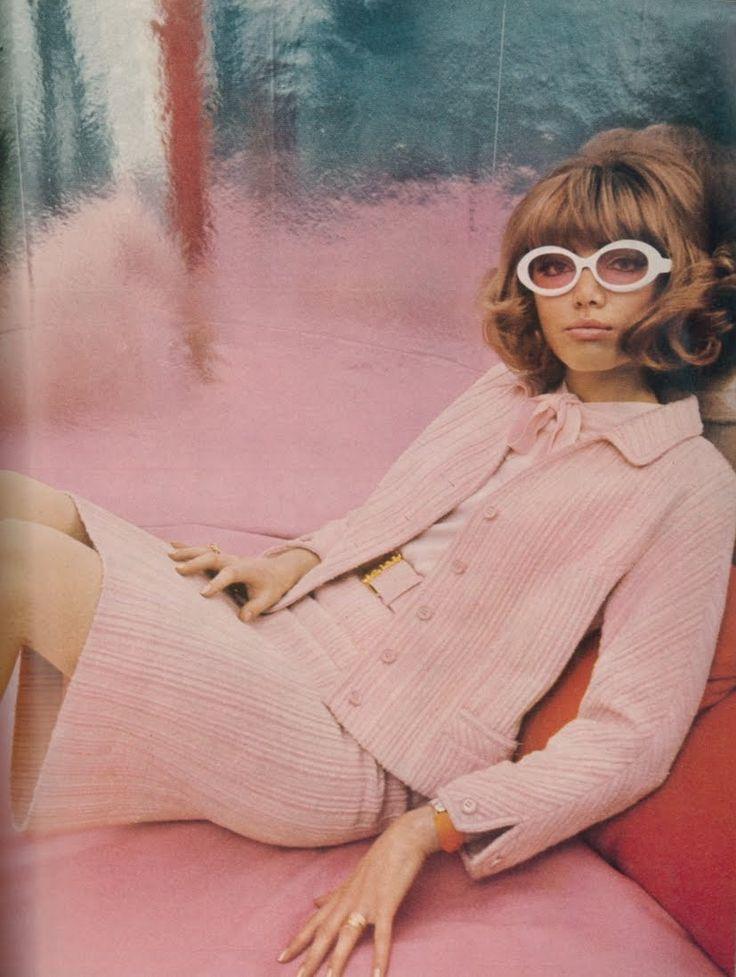 British Vogue, February 1966. Photographed by Eugene Vernier. (♥)