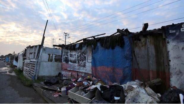 Dará gobierno de CDMX casa a 250 familias que vivían en campamento      Algunas de las familias vivían en el camellón de la avenida Telecomunicaciones, en Iztapalapa, desde el sismo de 1985. https://www.sdpnoticias.com/local/ciudad-de-mexico/2017/10/20/dara-gobierno-de-cdmx-casa-a-250-familias-que-vivian-en-campamento?utm_campaign=crowdfire&utm_content=crowdfire&utm_medium=social&utm_source=pinterest