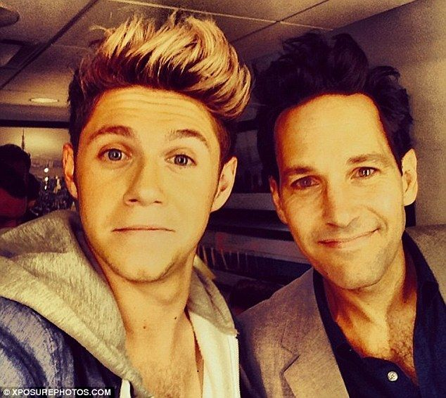 Celebrity sighting: Niall also posted a photo of him with SNL host Paul Rudd