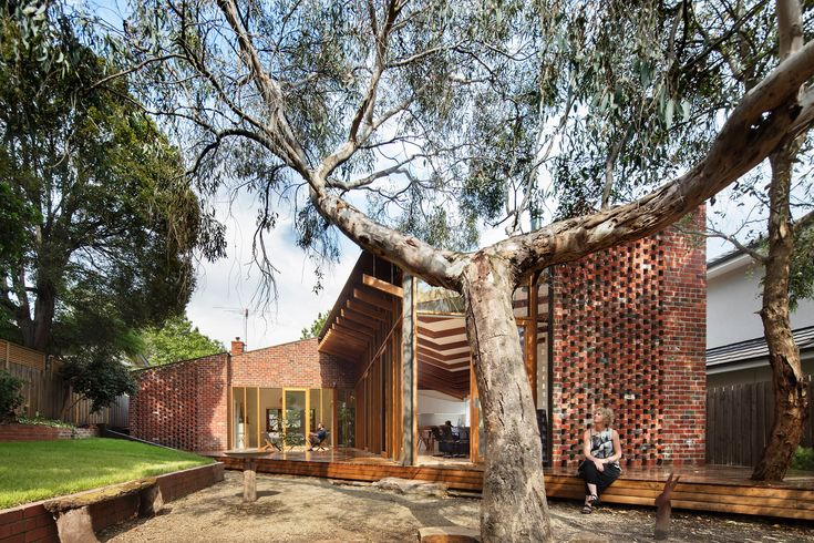The Old Be-al House by FMD Architects is a single story brick veneer home from the interwar period was the subject of this imaginative rejuvenation and extension in Melbourne's inner-east.