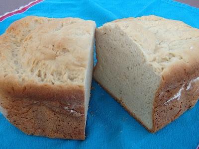 Gluten Free Brown Rice Bread (for Zojirushi Bread Machine) - Dee-Licious! Recipe by Gabriela Magaña Banks.